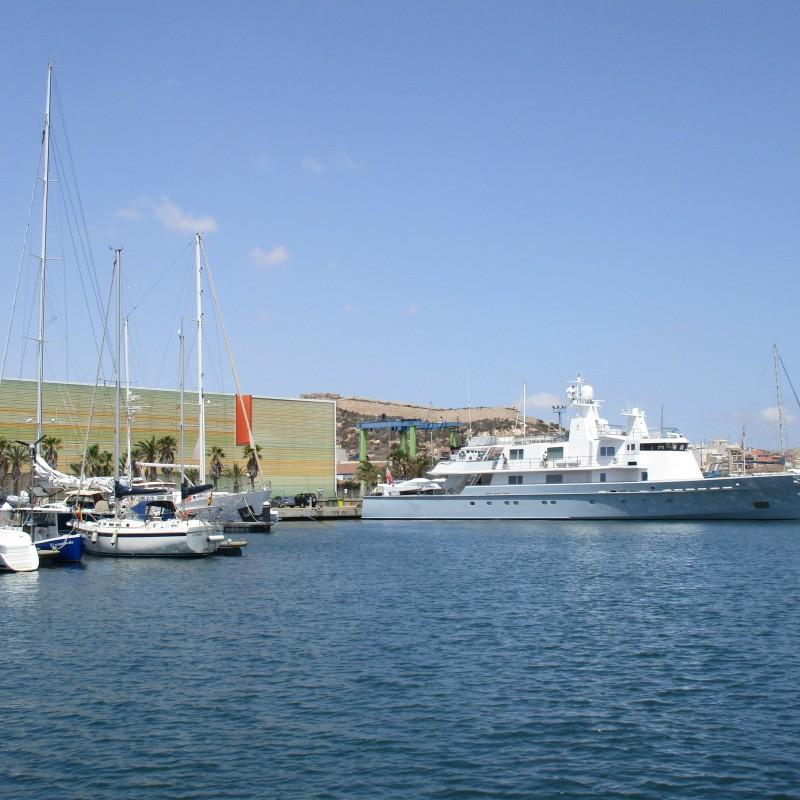 Yate Ronin atracado en Yacht Port Cartagena (2)