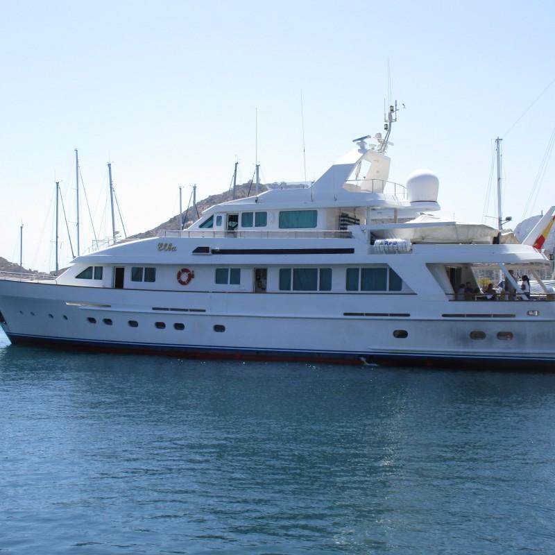 Yate Elba atraca en Yacht Port Cartagena (1)