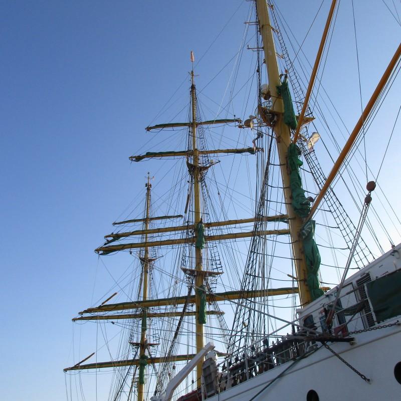 El velero Alexander von Humbolt atraca en Yacht Port Cartagena
