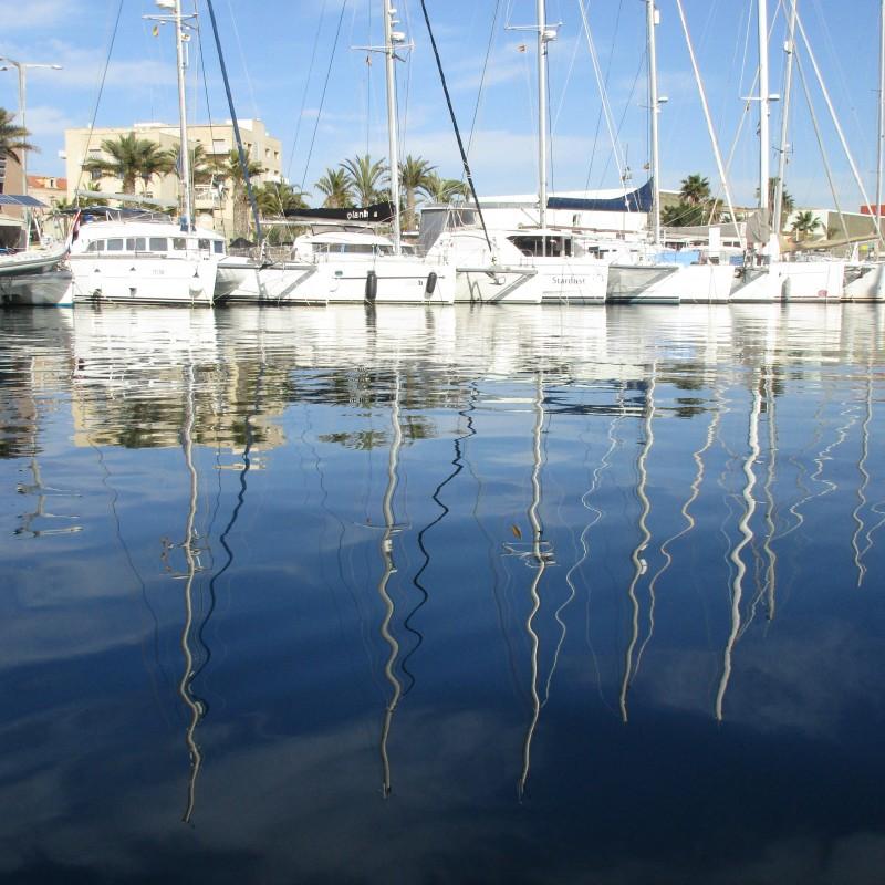 Reflejos en Yacht Port Cartagena