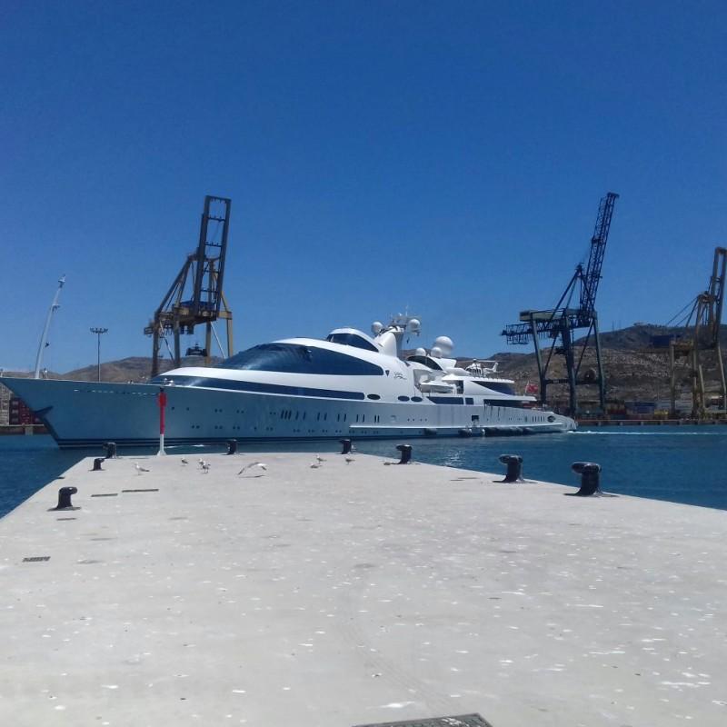 El yate YAS atracado en Yacht Port Cartagena (2)