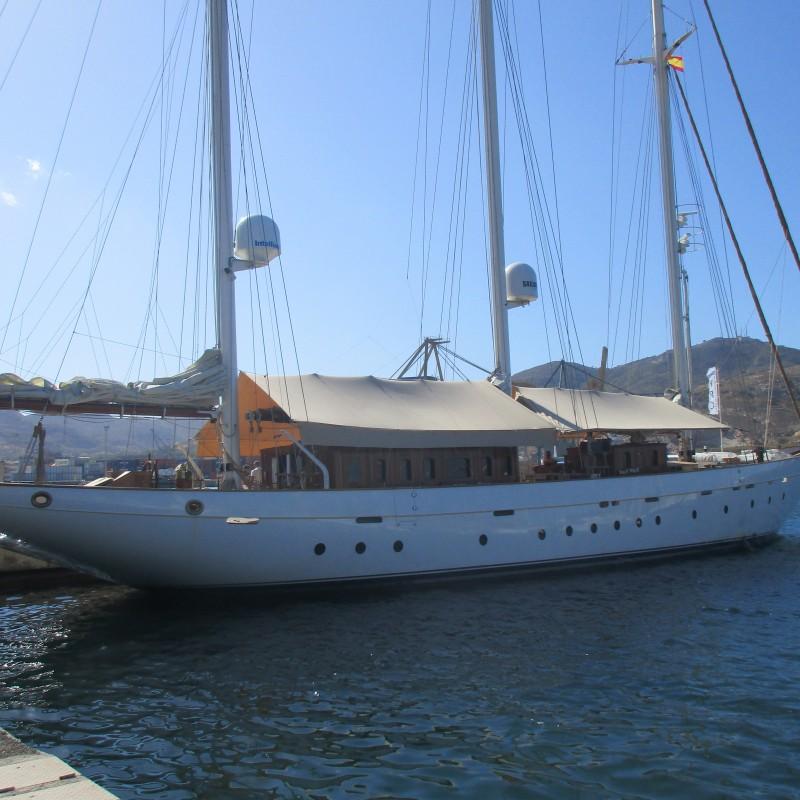 Velero Xarifa hace escala en Yacht Port Cartagena (1)